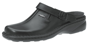 6913 Ladies black clog smooth leather uppers removable insole